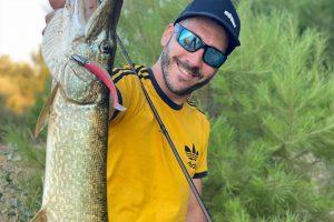 r-shad 100 galeria roshi fishing